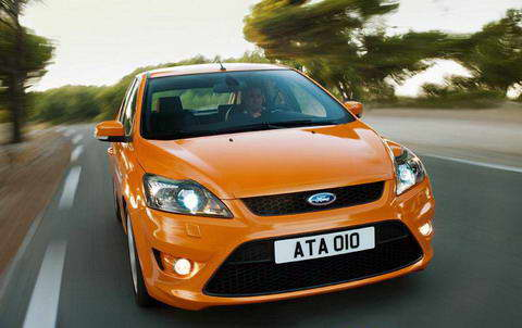 mini-ford_focus_st_2008_dailyautoru.jpg