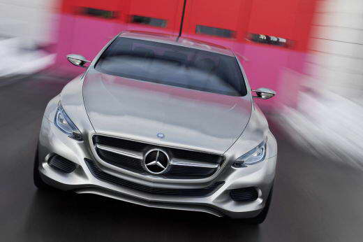 Mercedes-Benz_F800_dailyauto.ru_01