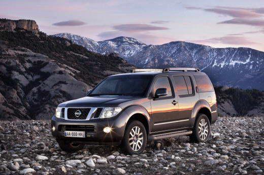 Nissan_Pathfinder_2011_dailyauto.ru_01