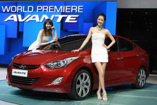 Hyundai_Elantra_2011_01