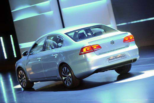VW_Passat_B7_2011_dailyauto.ru_03
