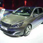 Peugeot 308 2014. Практичный и вместительный