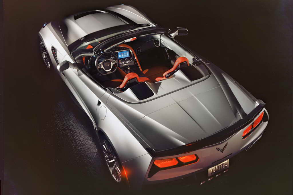 2015-Chevrolet-CorvetteZ06-08
