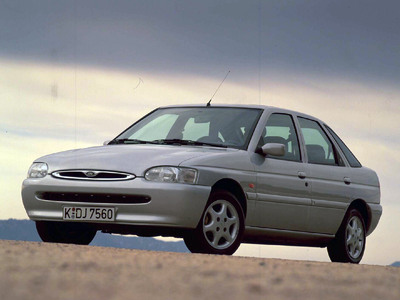 ford_escort_1995_hatchback