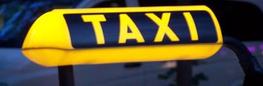 Таксист: работать в компании или заниматься частным извозом?